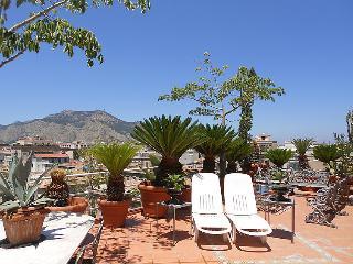 Romantic 1 bedroom House in Palermo - Palermo vacation rentals