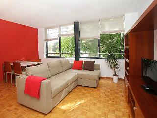 Bright 2 bedroom House in Barcelona - Barcelona vacation rentals