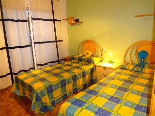 Nice 4 bedroom House in El Vendrell - El Vendrell vacation rentals