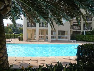 Nice House with Shared Outdoor Pool and Television - Saint-Maxime vacation rentals