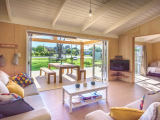 Modern, open plan and the perfect location - Oneroa vacation rentals