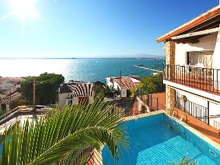 4 bedroom Villa in Roses, Costa Brava, Spain : ref 2010289 - Roses vacation rentals