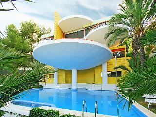 3 bedroom Villa in Sitges, Costa Del Garraf, Spain : ref 2010580 - Vallpineda vacation rentals