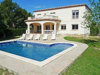 8 bedroom Villa in L'Ametlla de Mar, Costa Daurada, Spain : ref 2026553 - L'Ametlla de Mar vacation rentals