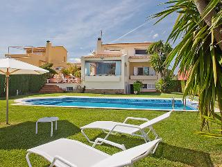 4 bedroom Villa in L Ametlla De Mar, Costa Daurada, Spain : ref 2027952 - L'Ametlla de Mar vacation rentals