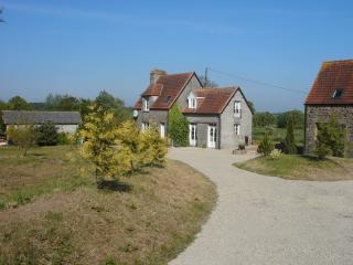Three Bedroom Rural Detached Farmhouse - Sourdeval vacation rentals