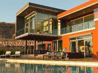 4 bedroom Villa in Maspalomas, Gran Canaria, Canary Islands : ref 2216990 - Montana La Data vacation rentals