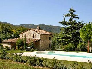 4 bedroom Villa in Todi, Umbria, Italy : ref 2014283 - Acqua Loreto vacation rentals