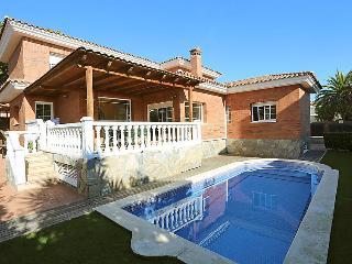 6 bedroom Villa in Cambrils, Costa Daurada, Spain : ref 2217891 - Cambrils vacation rentals