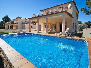 5 bedroom Villa in L Ametlla de Mar, Costa Daurada, Spain : ref 2218263 - L'Ametlla de Mar vacation rentals