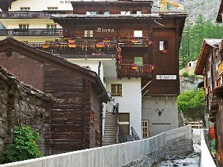4 bedroom Apartment in Zermatt, Valais, Switzerland : ref 2297439 - Zermatt vacation rentals