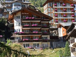 4 bedroom Apartment in Zermatt, Valais, Switzerland : ref 2300692 - Zermatt vacation rentals