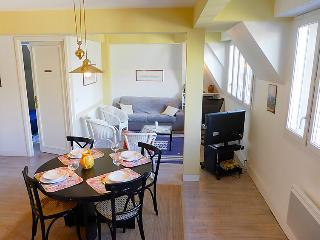 Comfortable 2 bedroom House in Saint-Malo with Television - Saint-Malo vacation rentals