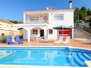 6 bedroom Villa in Lloret de Mar, Costa Brava, Spain : ref 2097053 - Mont Barbat vacation rentals