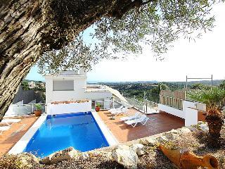 5 bedroom Villa in Lloret De Mar, Costa Brava, Spain : ref 2007950 - Mont Barbat vacation rentals