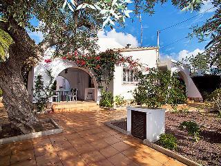 5 bedroom Villa in Cambrils, Costa Daurada, Spain : ref 2028189 - Cambrils vacation rentals
