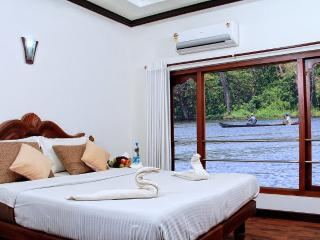 Nice Houseboat with Boat Available and Long Term Rentals Allowed (over 1 Month) - Kumarakom vacation rentals