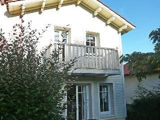 2 bedroom Villa in Lacanau, Gironde, France : ref 2214578 - Lacanau-Ocean vacation rentals