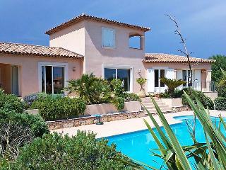 3 bedroom Villa in Les Issambres, Cote d'Azur, France : ref 2028124 - Saint-Aygulf vacation rentals