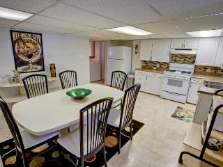 Romantic 1 bedroom Condo in Atlantic City with Internet Access - Atlantic City vacation rentals
