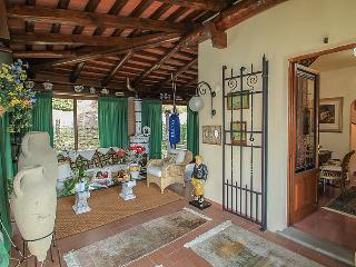 6 bedroom Villa in Pistoia, Florence Countryside, Italy : ref 2008458 - San Mommè vacation rentals