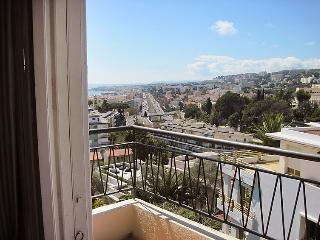 Comfortable 2 bedroom House in Nice - Nice vacation rentals