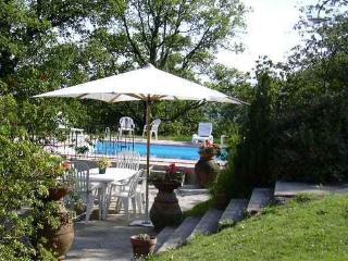 Casa in collina per relax nel verde - San Mommè vacation rentals