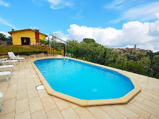 Sunny 3 bedroom Farmhouse Barn in Camaiore - Camaiore vacation rentals