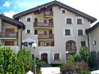 2 bedroom Apartment in Sils Maria, Engadine, Switzerland : ref 2298487 - Sils-Maria vacation rentals