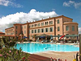 Comfortable 1 bedroom Vacation Rental in Tirrenia - Tirrenia vacation rentals