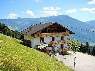 6 bedroom Villa in Fugen, Zillertal, Austria : ref 2295359 - Fugen vacation rentals