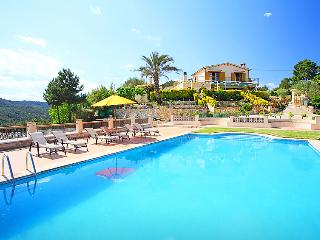 5 bedroom Villa in Lloret de Mar, Costa Brava, Spain : ref 2216417 - Mont Barbat vacation rentals