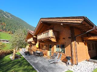 4 bedroom Villa in Mayrhofen, Zillertal, Austria : ref 2295494 - Mayrhofen vacation rentals
