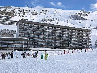 2 bedroom Apartment in Les Menuires, Savoie   Haute Savoie, France : ref 2056751 - Les Menuires vacation rentals