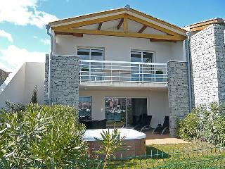 Nice Villa with Internet Access and Television - Cap-d'Agde vacation rentals