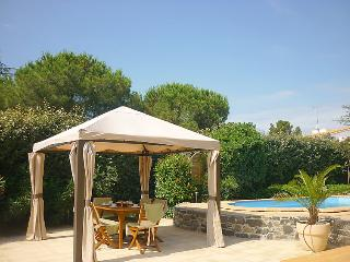 4 bedroom Villa in Cap D Agde, Herault Aude, France : ref 2009002 - Cap-d'Agde vacation rentals