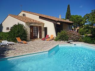 3 bedroom Villa in Saint Cyprien, Pyrenees Orientales, France : ref 2012366 - Saint-Cyprien-Plage vacation rentals