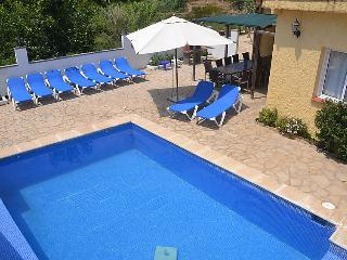 6 bedroom Villa in Lloret De Mar, Costa Brava, Spain : ref 2214436 - Lloret de Mar vacation rentals