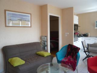 Romantic 1 bedroom Apartment in Pléneuf-Val-André with Internet Access - Pléneuf-Val-André vacation rentals