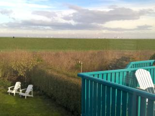 Nice Condo with Television and Washing Machine - Hoofdplaat vacation rentals