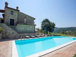 Suite Antico Casale Cantine Il Torrione - Saragano vacation rentals