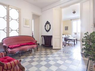 Centric Unique Bohemian 3 Bedroom Apartment - HOA 42136 - Barcelona vacation rentals
