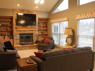 Beautiful 4,000 Sf, 5 Bed, 4.5 Bath Lakefront Home - Rocky Mount vacation rentals