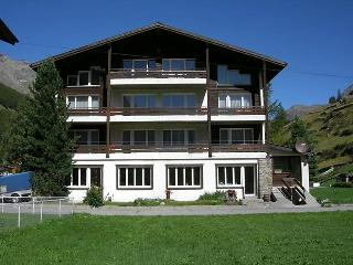3 bedroom Apartment in Saas-Grund, Valais, Switzerland : ref 2252810 - Saas Grund vacation rentals