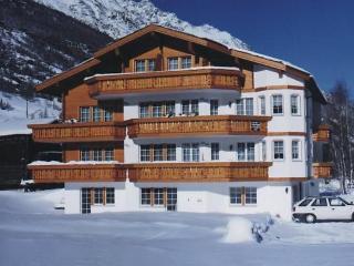 3 bedroom Apartment in Saas Grund, Valais, Switzerland : ref 2285756 - Saas-Fee vacation rentals