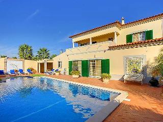 5 bedroom Villa in Carvoeiro, Algarve, Portugal : ref 2027104 - Carvoeiro vacation rentals