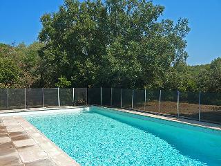 4 bedroom Villa in La Croix Valmer, Cote d'Azur, France : ref 2012691 - La Croix-Valmer vacation rentals