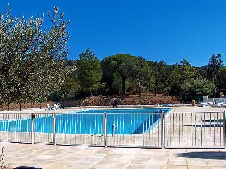 2 bedroom Villa in La Croix-Valmer, Cote d Azur, France : ref 2162754 - La Croix-Valmer vacation rentals