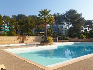 3 bedroom Apartment in Saint Raphael, Cote d'Azur, France : ref 2027780 - Boulouris vacation rentals
