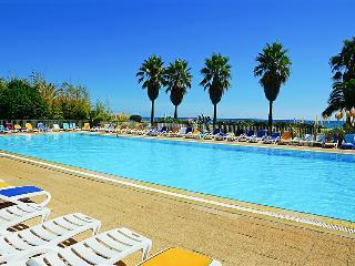 2 bedroom Villa in Ghisonaccia, Corsica, France : ref 2242820 - Ghisonaccia vacation rentals